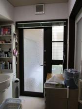 夏場、お風呂あがりドアを開けれれば快適なんだけど・・・