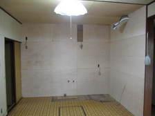 壁完成。後はパネル張りの上、キッチン据付。